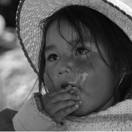 Holčička z jezera Titicaca 3