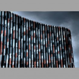 Pásikovaná budova