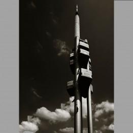Věž nad oblaky